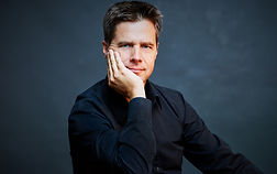 ChristophKoenig_Conductor_Download3.jpg