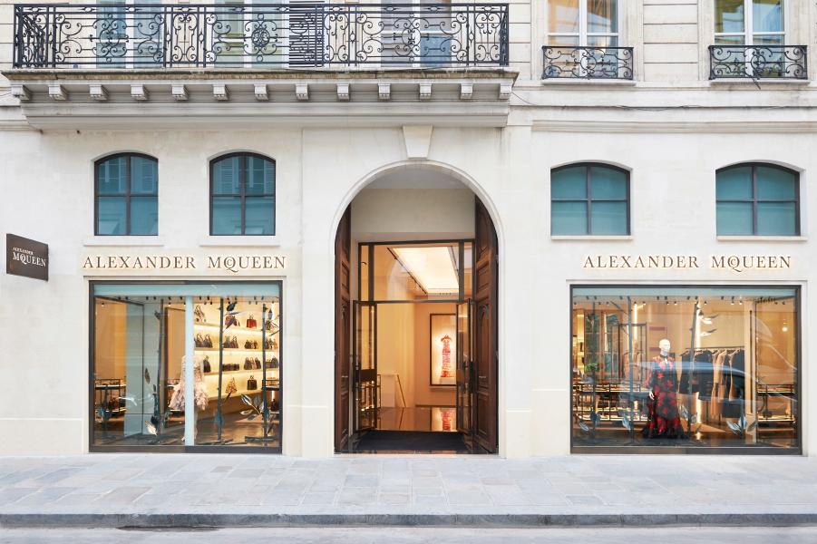 Prix Versailles Shops & Stores