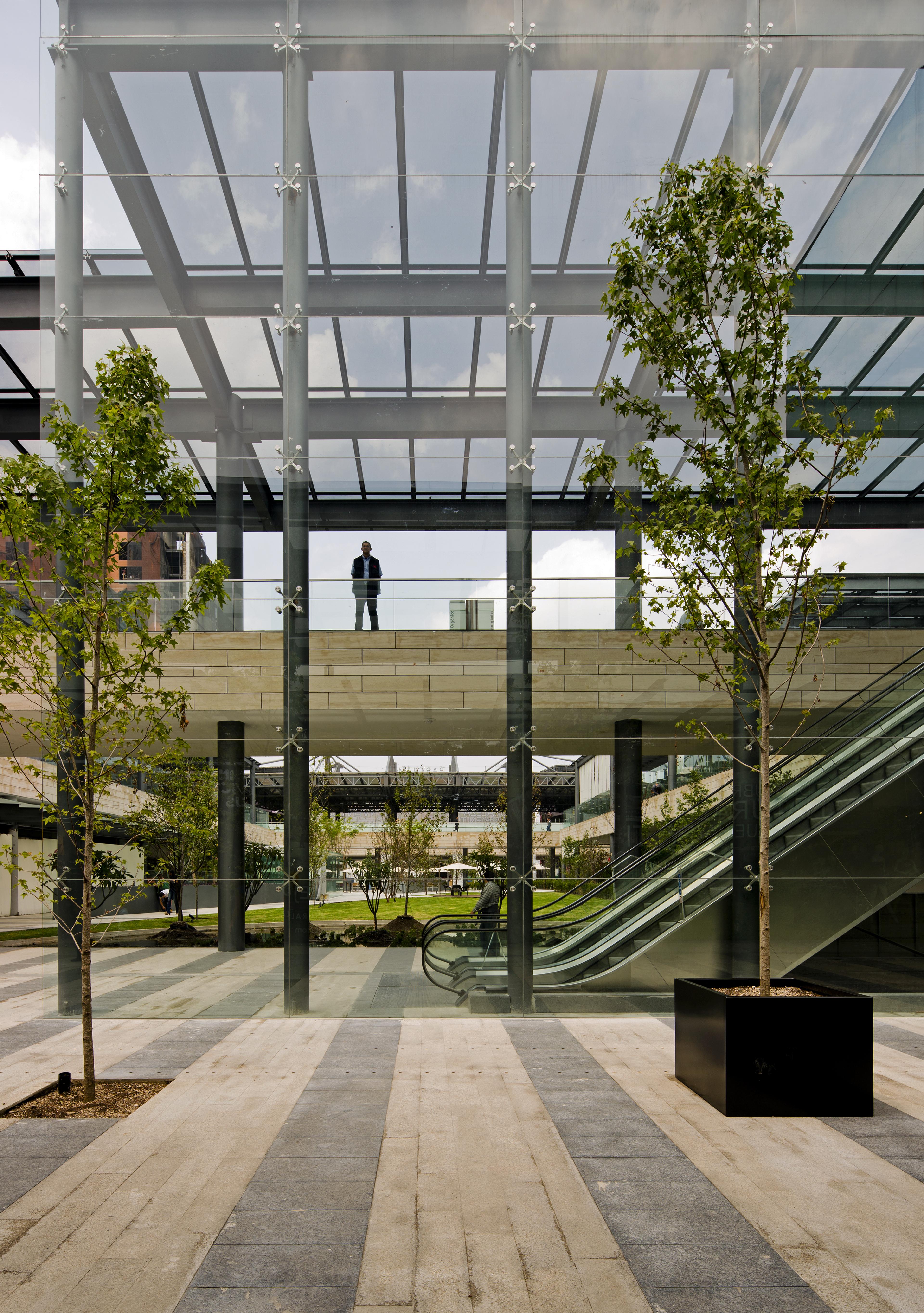 العمارة الخارجیة لمراكز التسوّق