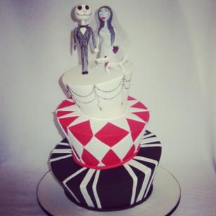Corpse bride #weddingcake #cakeladycakes #corpsebride #madhatter _lickos