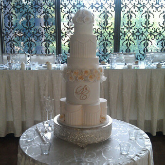 Huge cake at curzon hall