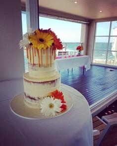 Sweet little wedding cake for Leanne at #clovellysurfclub yesterday.jpg