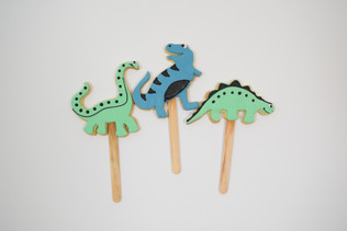 dino cookie pops
