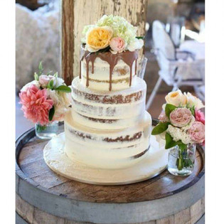 My semi naked cake from this weekend at Peppers Creek in the Hunter.jpg