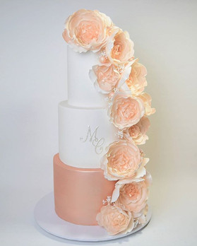 Rose gold beauty for my cousins wedding on the weekend.jpg