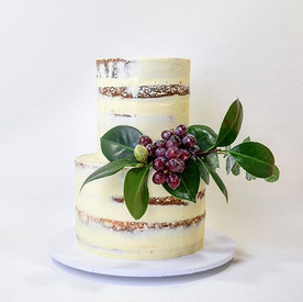 GRAPES_Tiny little cake with sugared grapes and foliage.jpg