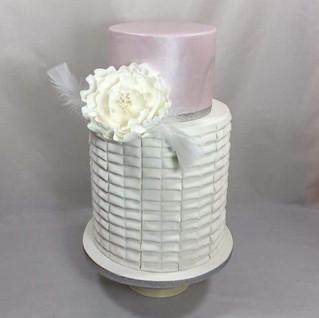 Another new design marble and pleats #cakeladycakes #marblecake #pleatedcake  #sugarflowers #acdnmember
