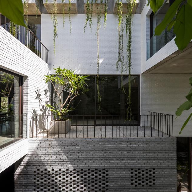 Thang House
