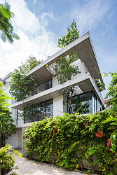 Stacked Planters House