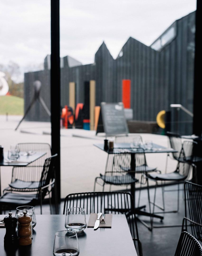 Cafe Heide tables