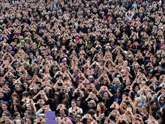 Más de la mitad de la ciudadanía española se siente feminista