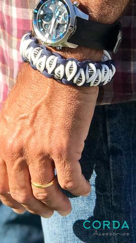 paracord bracelete.jpg