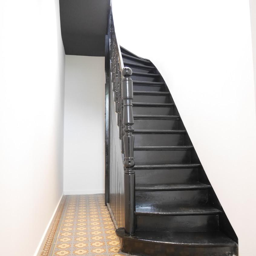 escalier carrelage ancien