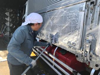 洗車の鬼!松本さんです。
