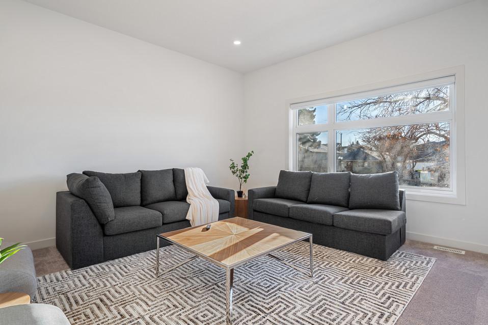 Real Estate Photographer in Calgary0.jpg