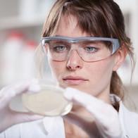 Женский ученый