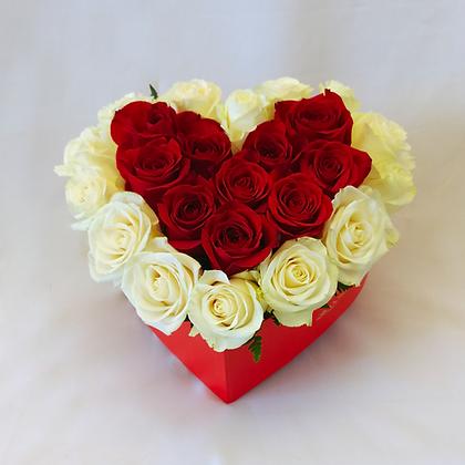 Rosas en caja de corazón