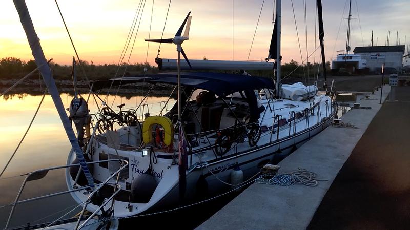 SailingSaba_Aft_Bavaria_47.png