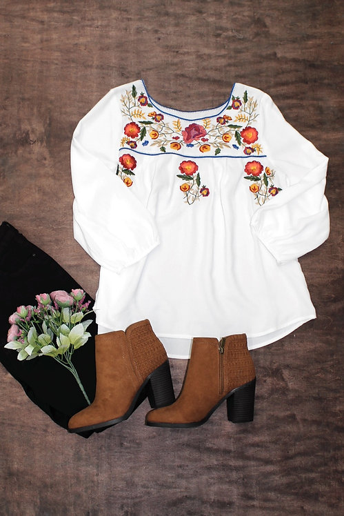 59818 EMBROIDERY FLORAL TOP