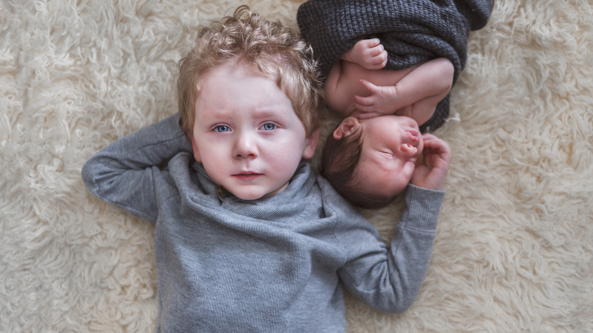 siblings newborn big brother photo