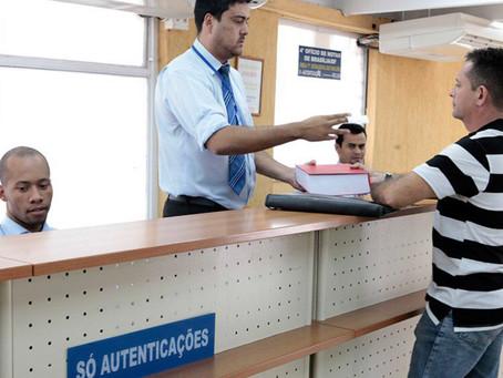 Sancionada lei que dispensa reconhecimento de firma e autenticação de documento.