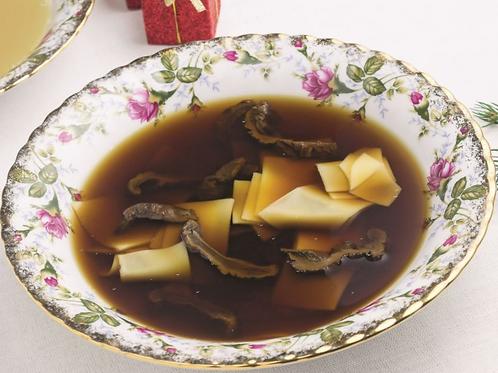 Zupa grzybowa z łazankami 1l