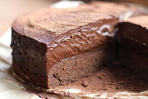 Tort czekoladowy, konfitura pomarańczowa, orzechy w karmelu, rozmaryn 12 porcji