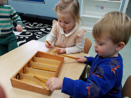 Using a Montessori spindle box for count