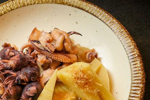 イカゲソと新玉ねぎの煮物