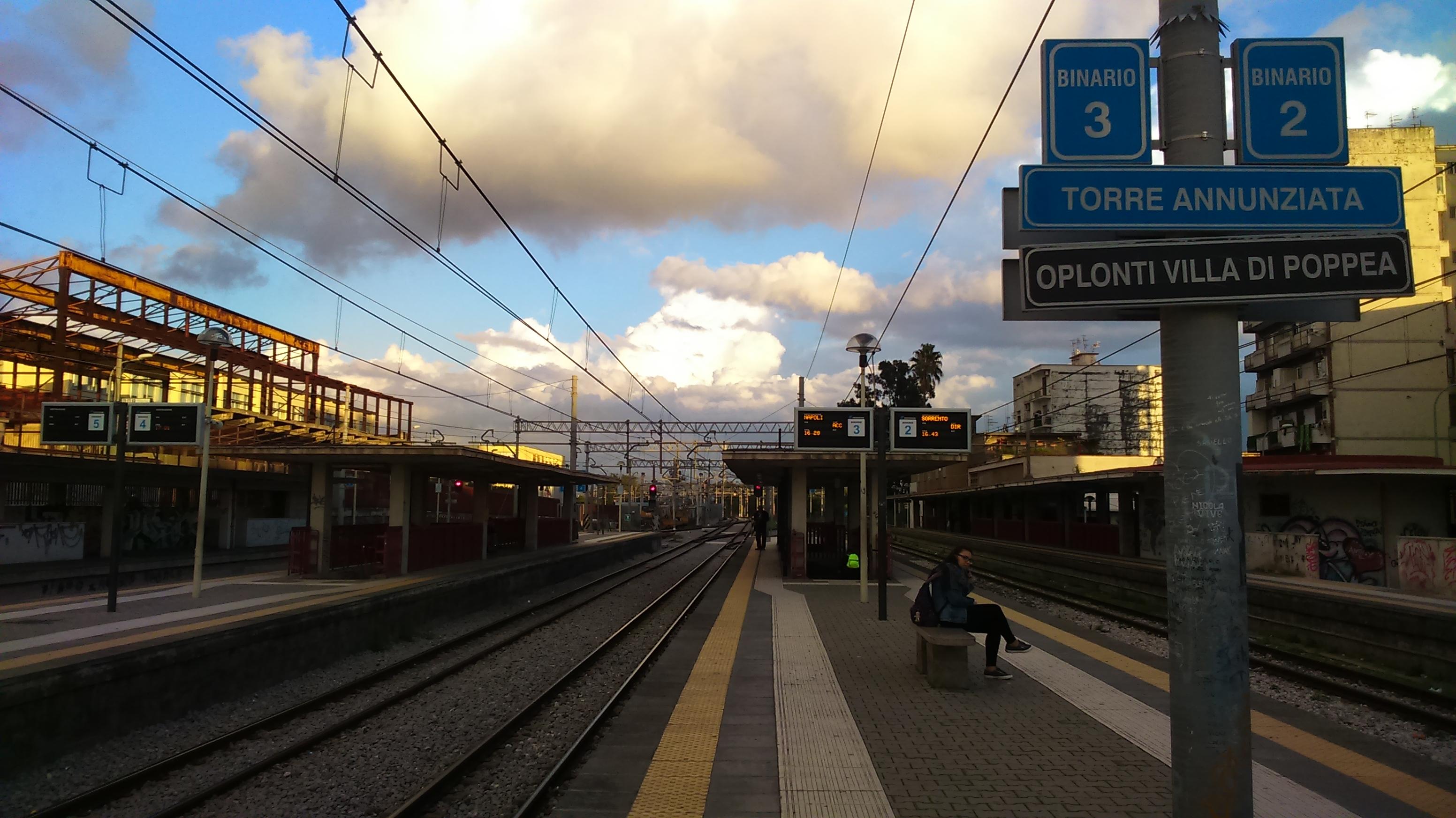 La gare de Torre Annunziata