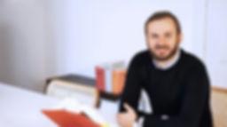 Rechtsanwalt Ramon Ferchow betreut und berät in der Rechtsanwaltskanzlei Dr. Werner und Ferchow in Erkner bei Berlin zu allenzivilrechtlichen Fragen wie z.B. zu Arbeitsrecht, Mietrecht, Verkehrsrecht, Gesellschaftsrecht, Vertragsrecht, Handelsrecht uvm.