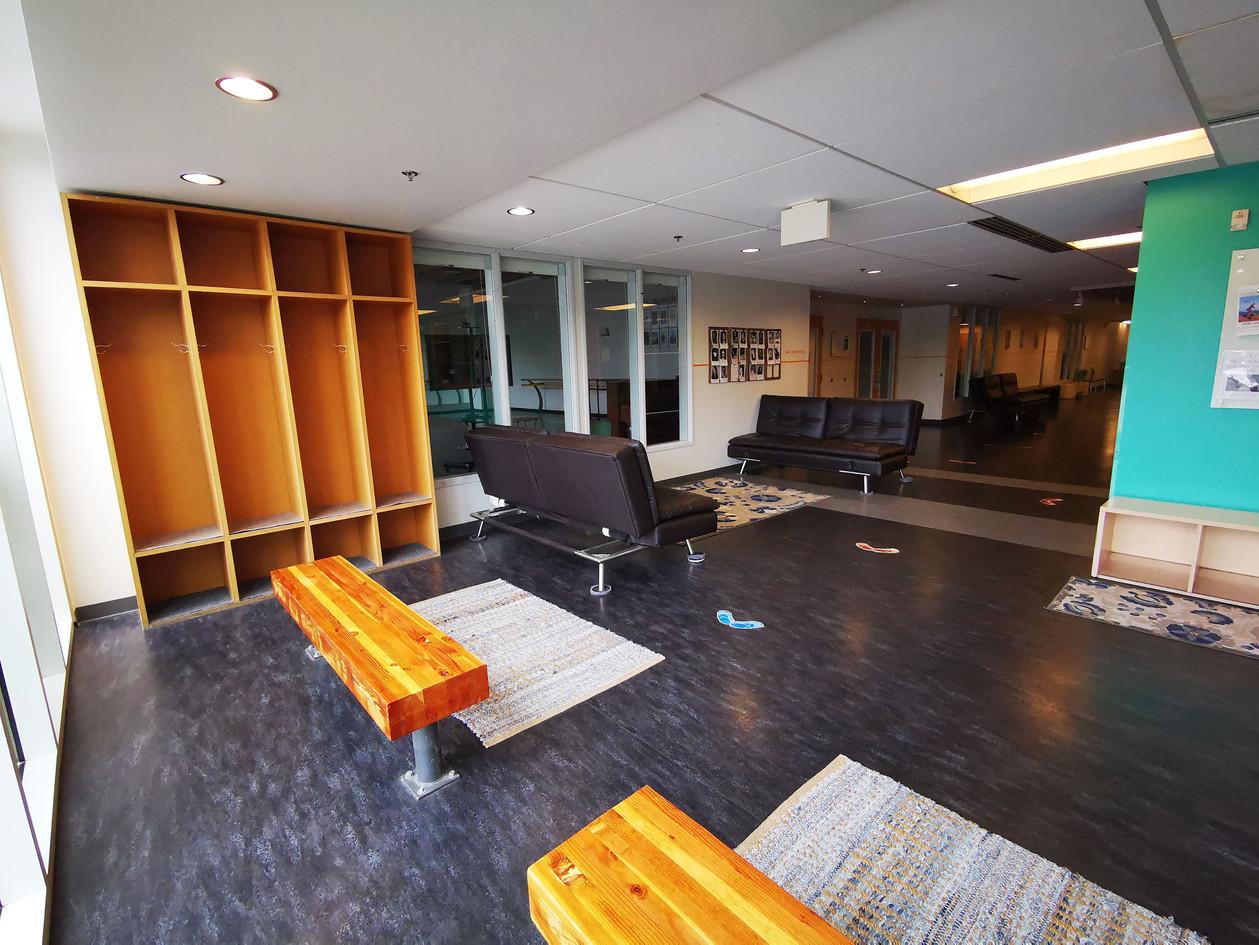 Dedicated lockers and comfortable lobby
