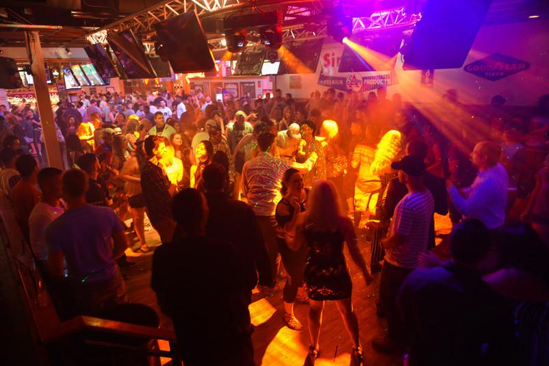 Columbus - Dance Floor