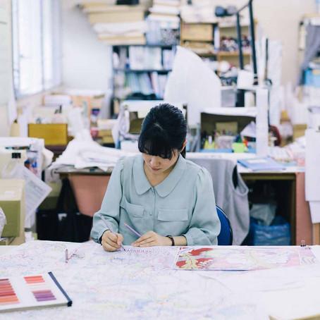 さんち〜工芸と探訪〜                                     着物づくりを諦められなかった彼女は、新潟・十日町で夢を叶えた。若き移住系デザイナーの胸のうち