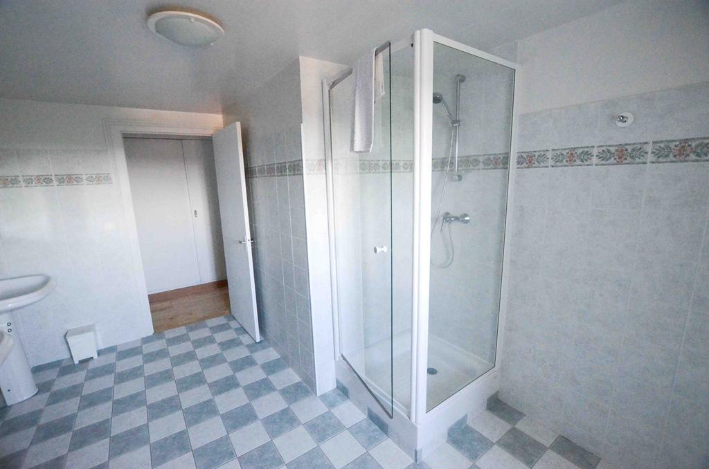 2nd floor bathroom_bath