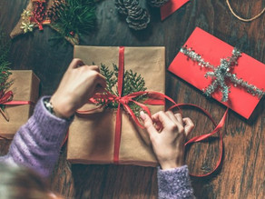 "Follow the ""Four Gift"" Rule for Incentive Marketing Ideas that Convert"