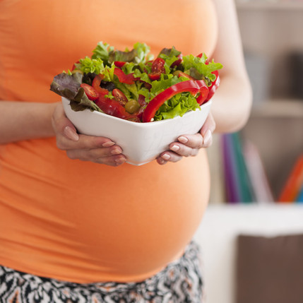 pregnant-woman-with-vegetable.jpg
