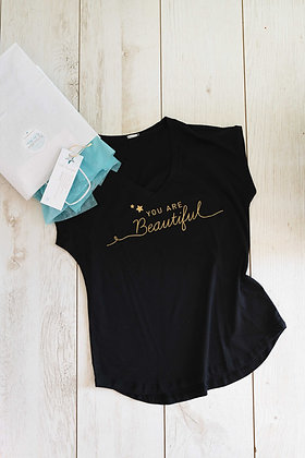 Hello Beautiful - חולצה שחורה