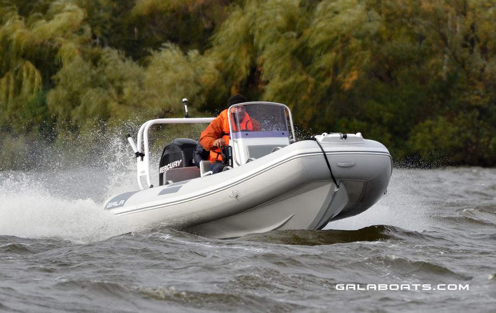 Gala Viking V500 Cruising RIB (29).jpg
