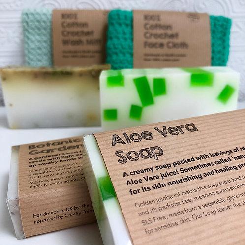 NATURAL PAMPER GIFT BOX cotton facecloth, wash mitt, vegan soap & greetings card