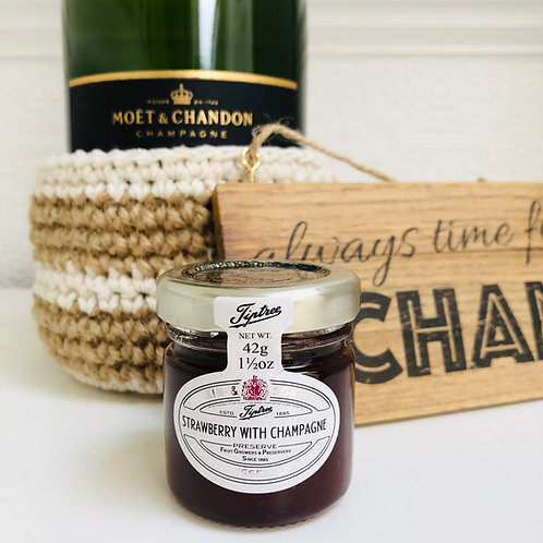 CHAMPAGNE GIFT BOX with greetings card