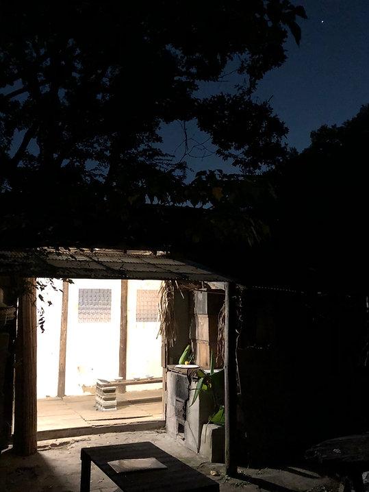 STC 納屋 夜 .jpg