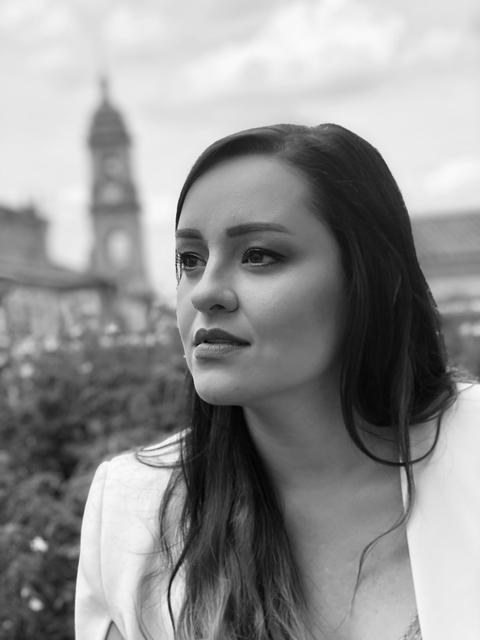 Laura Gómez, soprano (Ana)