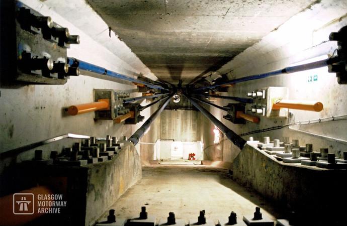 Kingston Bridge - Interior post tensioning system (Late 1990s)