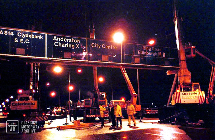 Kingston Bridge, Glasgow - Removal of Sign Gantry (1990s)