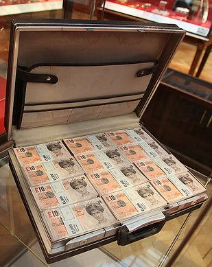 banksy_museum_diana_tenners_case.jpg