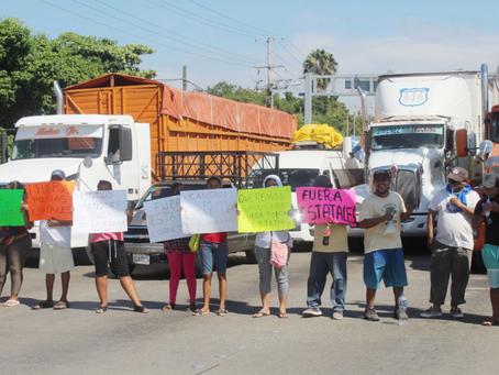 Protestan habitantes por incursiones de la policía estatal en colonias de Acapulco