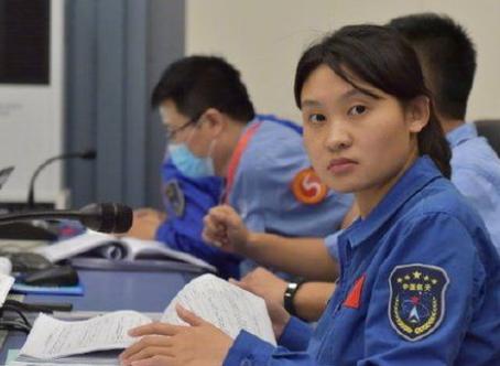 Misión china a la Luna: quién es Zhou Chengyu, la nueva heroína espacial de China