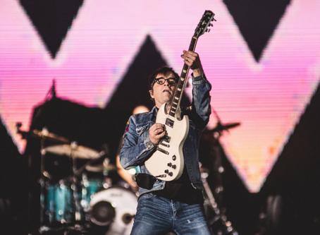 Rock in Rio: Weezer introduz clima anos 90 no Palco Mundo