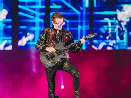 Muse encerra o Rock in Rio com apresentação futurística arrebatadora